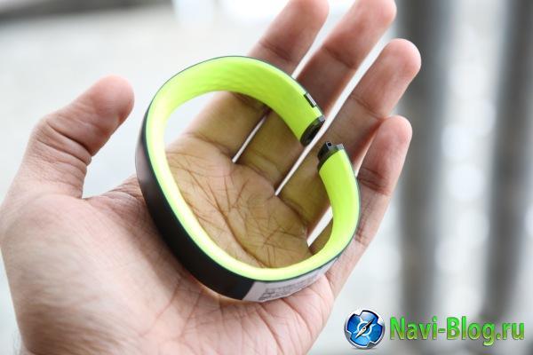 На MWC 2015 представлено первое носимое устройство HTC – фитнес браслет Grip |