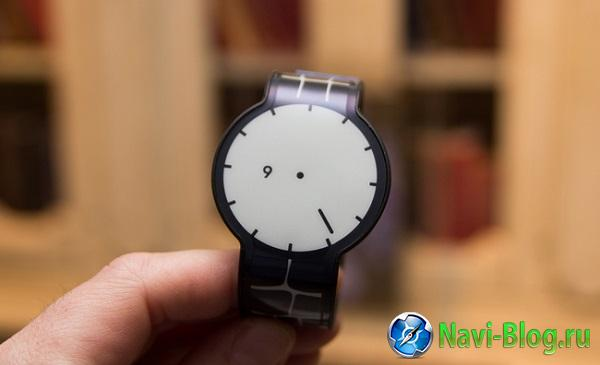 Sony начинает продажи часов FEZ Watch в Японии |
