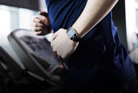 Фитнес часы ASUS VivoWatch представлены в России |