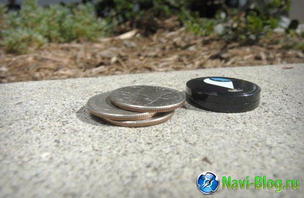 StickR TrackR, действительно, небольших размеров.